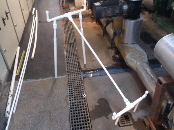Arkadaşlarla sazana giderken planlanladığımız ve yaptığım kamış sehpası  PPRC borudan monte-demonte tarzı yapılmıştır